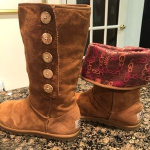 NEW UGGS Size 7